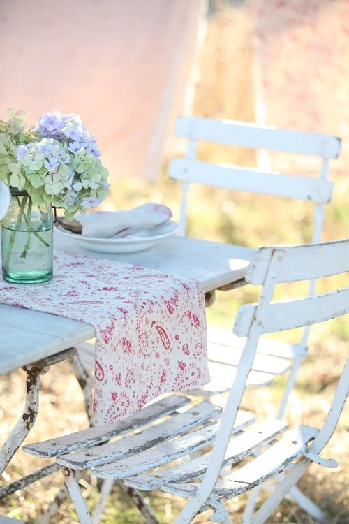 backyard, flowers, outdoor, outdoor living, shabby chic